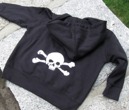 ~BACK DESIGN~Little White Skully design<br>from Haverhill, Massachusetts<br>
